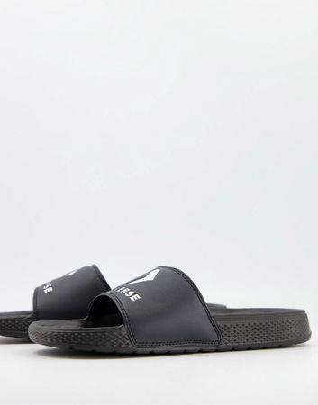 Converse sliders in black